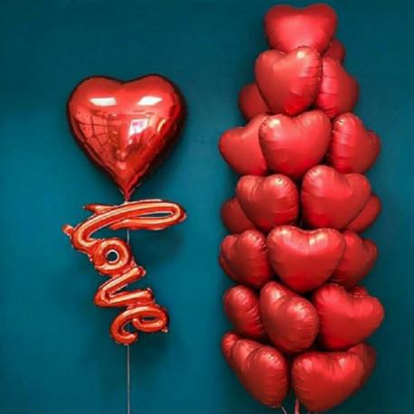 Композиция большое сердечко с надписью love фонтан состоящий из 25 фольгир сердец
