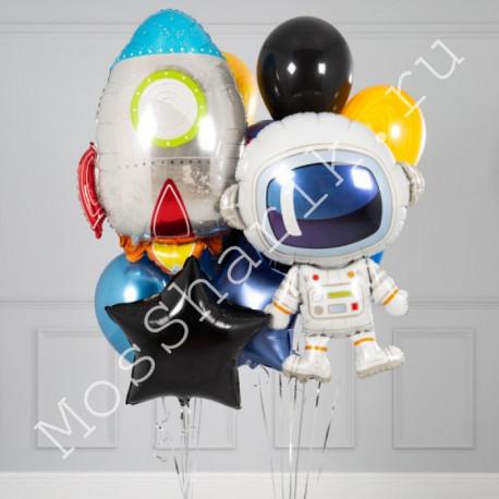 Композиция из шариков (космонавт с ракетой)