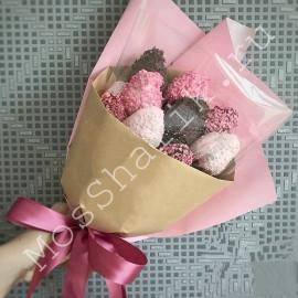 Съедобный букет из клубники в шоколаде (розовый и темный)
