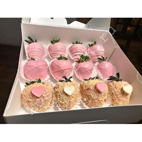 Букет клубники в коробке (12 ягод)