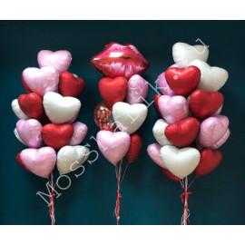 Три фонтана из фольгированных шаров сердец