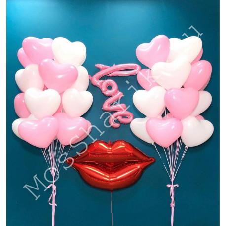 Композиция с воздушными шарами love и губами