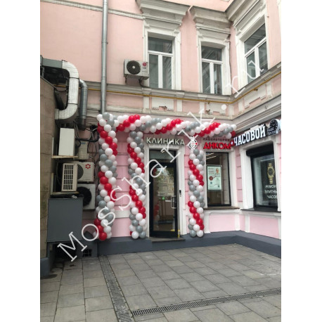 Оформление шарами на открытие (белый, красный, серый)