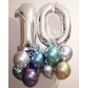 Композиция из шариков на 10 лет: цифры и шарики хром