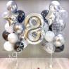 Композиция из шаров на 8 лет: цифра и два фонтана