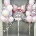 Гелиевые шары на выписку из роддома: большой шар, бант и два фонтана