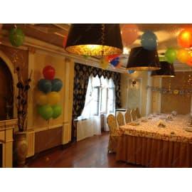Оформление шариками зала в ресторане