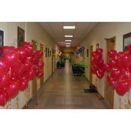 Оформление коридора шарами
