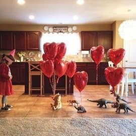 Фольгированные шарики сердечки.