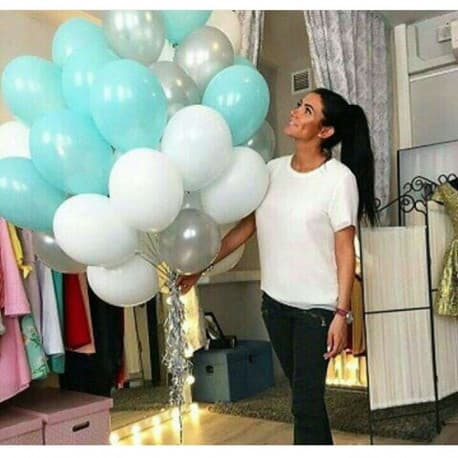 Облако шариков, цвета: белый, бирюза, серебро.
