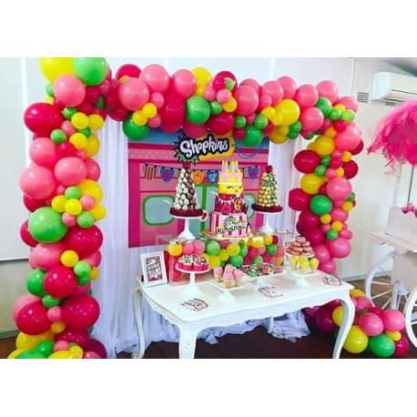 Разнокалиберная арка из шаров на день рождения