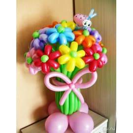Букет цветов из шариков разноцветный