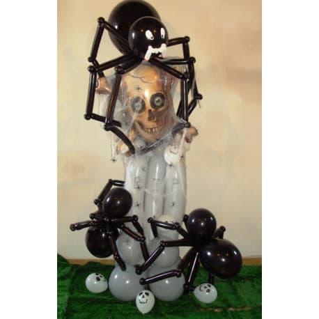Череп на стойке + пауки из шариков