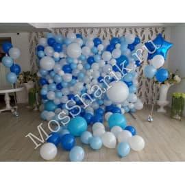Панно из разнокалиберных шаров (белый+голубой)